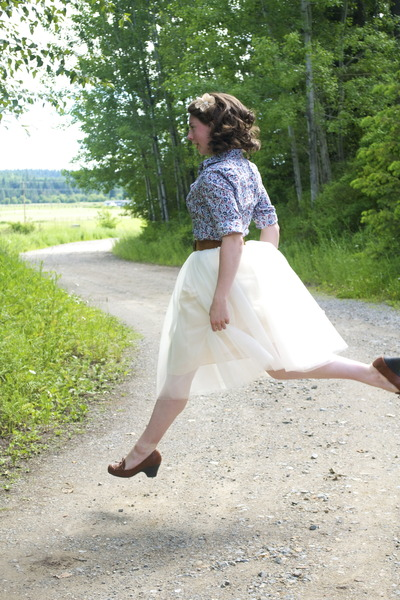 tulle Kellie Falconer Design skirt - suede thrifted vintage belt