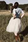 Cowboy-boots-western-blouse-tulle-kellie-falconer-skirt