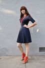 Blue-vintage-dress-red-stockings-gold-enzo-angiolini-shoes