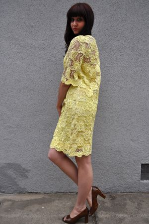 yellow vintage 1970s dress - brown vintage 1950s shoes
