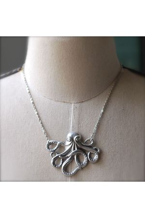 silver Kellyssima necklace