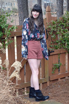 black floral thrifted blouse - black leather thrifted boots