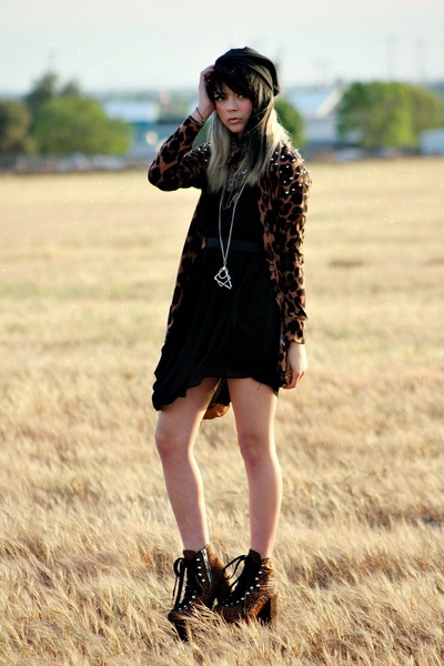 Black Romwe Dress Burnt Orange Unif Boots Foreign Exchange Hat