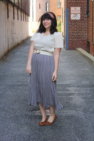 heather gray skirt - tawny moccasins shoes - white vintage top