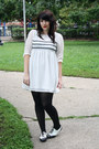 White-shoes-white-dress-black-opaque-tights