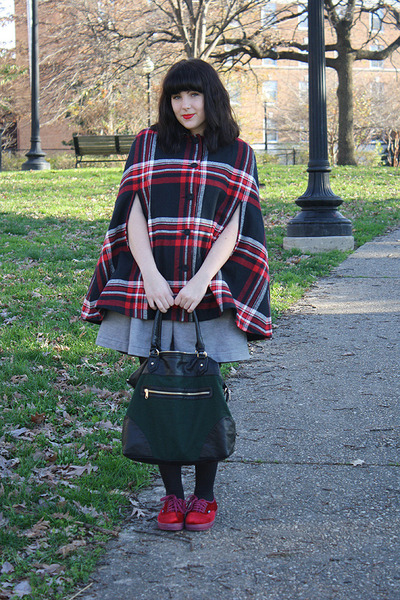 heather gray Jcpenny dress - black opaque tights - green Deena & Ozzy bag