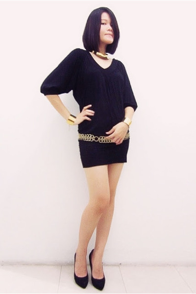 black random dress - black suede Zara heels - gold cuff random bracelet