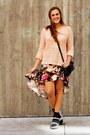 Light-pink-forever-21-sweater-black-flatform-zara-sandals