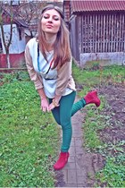 maroon zipped wedges - forest green H&M leggings - off white Amisu blazer