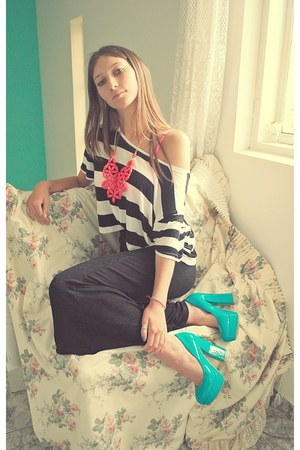 white black striped H&M top - black random skirt - turquoise blue random pumps