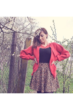 bronze leopard print H&M skirt - crimson Denim Co shirt