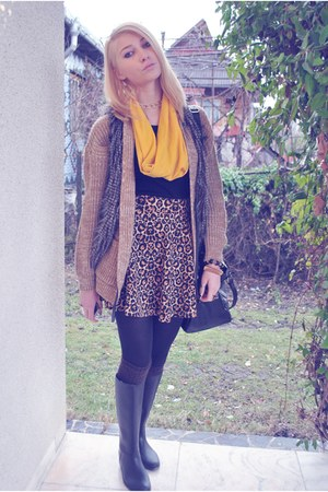 brown leopard print H&M skirt - beige Atmosphere sweater