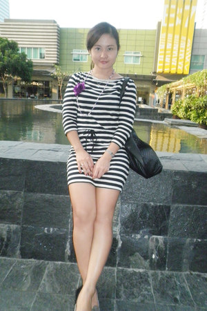 gray cotton H&M dress - black cotton on bag - gray parissian flats