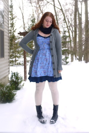 blue floral olsenboye dress - cream sweater Worthington tights - navy silk thrif
