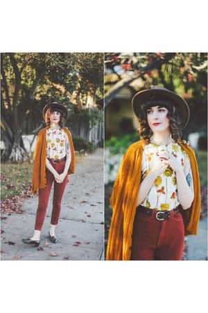 mustard vintage sweater - tawny vintage top - ruby red American Apparel pants