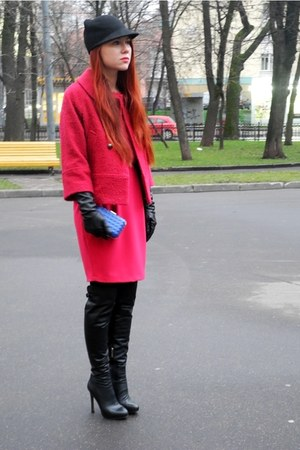 black windsor shoes - hot pink Gaudi coat