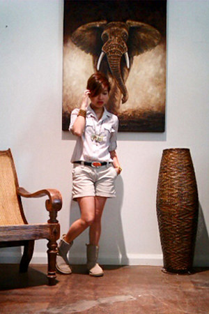 light brown Ugg boots - camel khaki Lhasa shorts - camel Thrift Store blouse - c