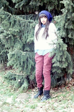 blue H&amp;M hat - black Zara boots - white Zara sweater - maroon pull&amp;bear pants