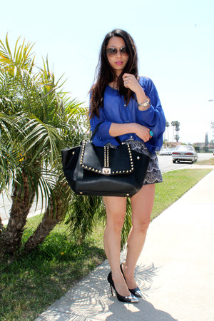black studded melie bianco bag - black printed unknown shorts