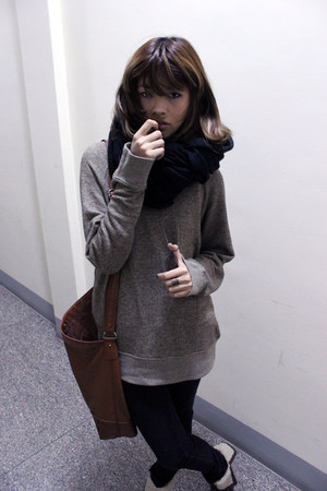 black H&amp;M jeans - brown H&amp;M bag - camel merona sweatshirt