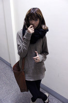 black H&M jeans - brown H&M bag - camel merona sweatshirt