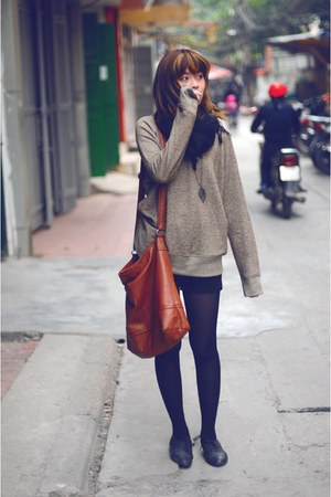 light brown merona sweatshirt - black Pierre Cardin tights - brown H&M bag