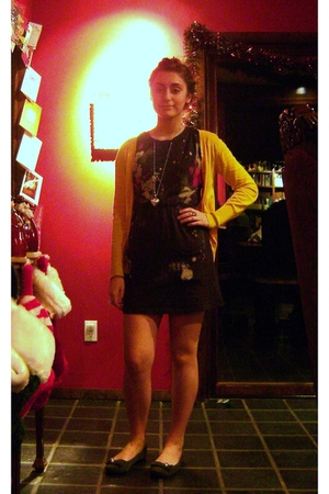 Forever 21 dress - Old Navy cardigan - Sears shoes - vintage necklace