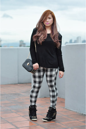 white Topshop leggings - black cotton Zara sweatshirt