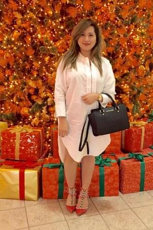 white cotton Zara dress - black leather Michael Kors bag