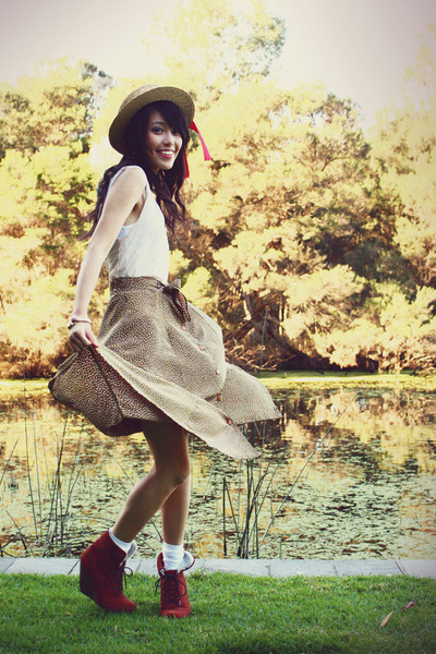 brown vintage hat - olive green vintage skirt - dark brown asos wedges
