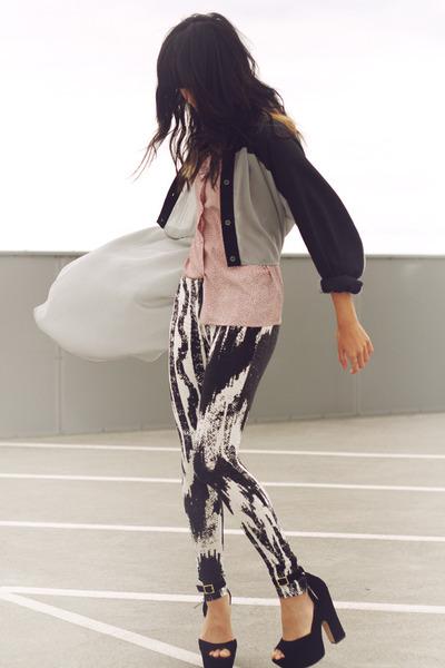 light pink vintage blouse - black hunt no more leggings