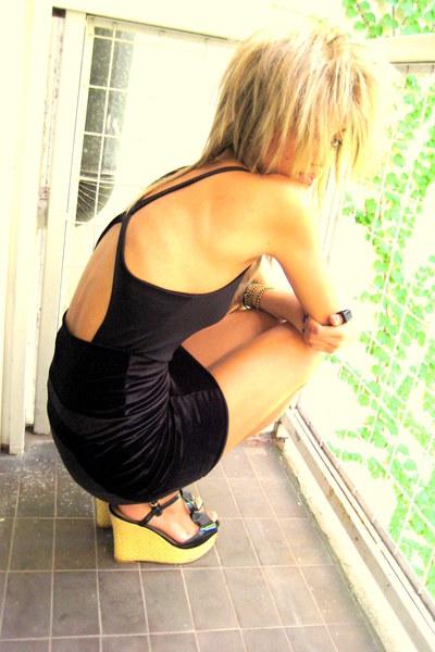 blouse - skirt - shoes - bracelet