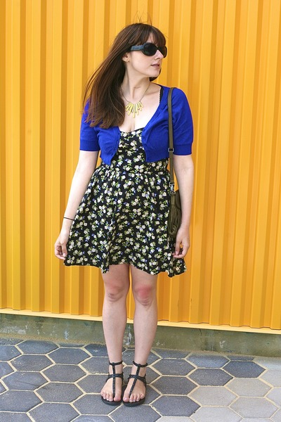 blue H&M dress - blue Forever 21 cardigan - black Forever 21 sandals