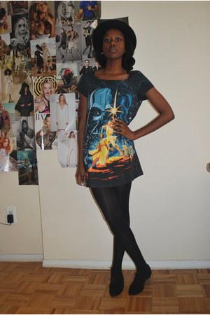 black Forever 21 shoes - star wars H&M dress