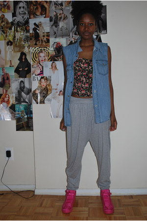 hot pink stripes sneakers - heather gray H&M pants - black Mandee top - blue Sil