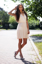 neutral chicnova dress - eggshell OASAP heels