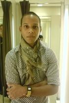Zara scarf - Zara shirt - QQ