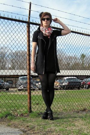black American Apparel dress - black Forever 21 vest - black American Eagle tigh