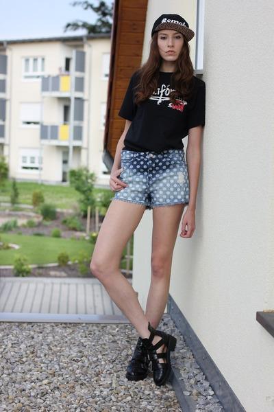 black leopard print Diamante Wear hat - sky blue denim shorts Zara shorts