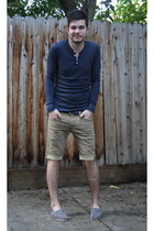 Toms shoes - American Apparel shirt - Levis shorts - belt