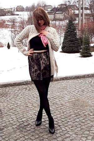 nude Zara skirt - black Zara pumps - beige Zara cardigan - black H&M top