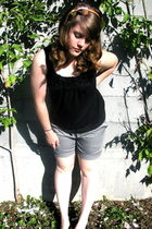 silver Aerie shorts - black Urban Planet top - hairbow