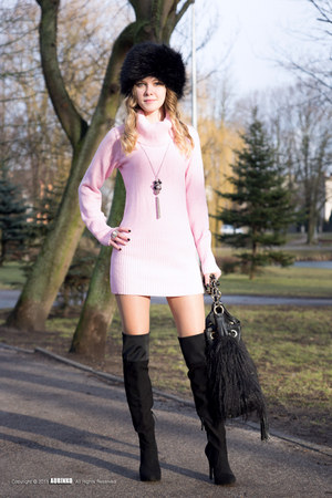bubble gum allegro sweater - black NN boots - black River Island bag
