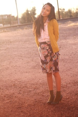 JCrew cardigan - JCrew Factory shirt - Anthropologie skirt - H&M socks - thrifte