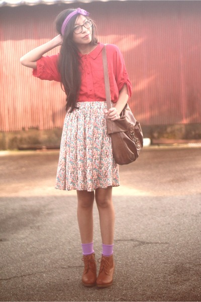 red modcloth skirt - tawny lace up boots Uniqlo boots