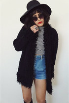 fluffyblack sweater - denim vintage shorts