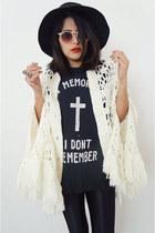knitcrochet vintage cape - UNIF t-shirt