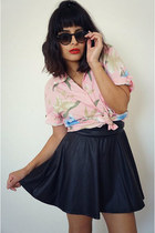 pink hawaiian top - circle black skirt