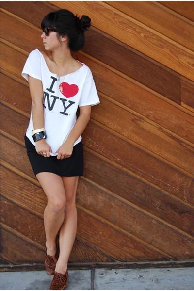 gift shirt - Target skirt - vintage shoes