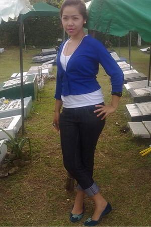 blue blazer - green shoes - jeans - white top